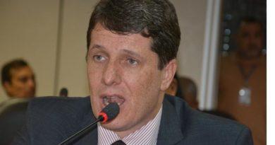 Resultado de imagem para Governador atende pedido de Zé Cocá e Jequié terá complexo poliesportivo e educacional