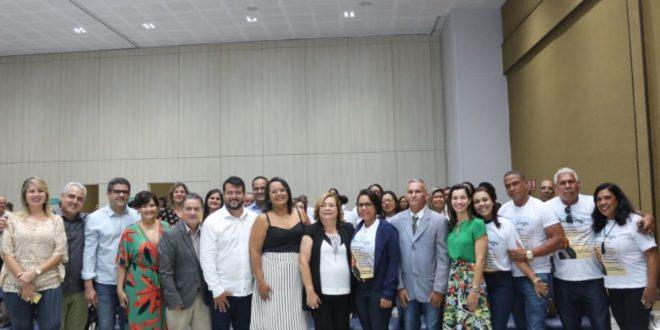 Resultado de imagem para Presidente do COSEMS/BA recebe título de Cidadã Itaparicana