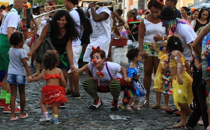 Clima familiar toma conta do Circuito Batatinha no segundo dia de Carnaval