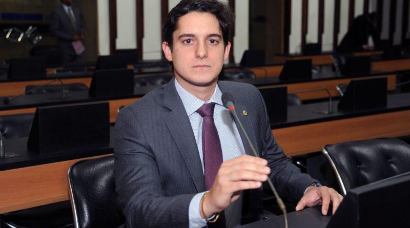 """Marcelinho Veiga diz que """"Bolsonaro ameaça as instituições democráticas do país e maltrata o povo"""""""