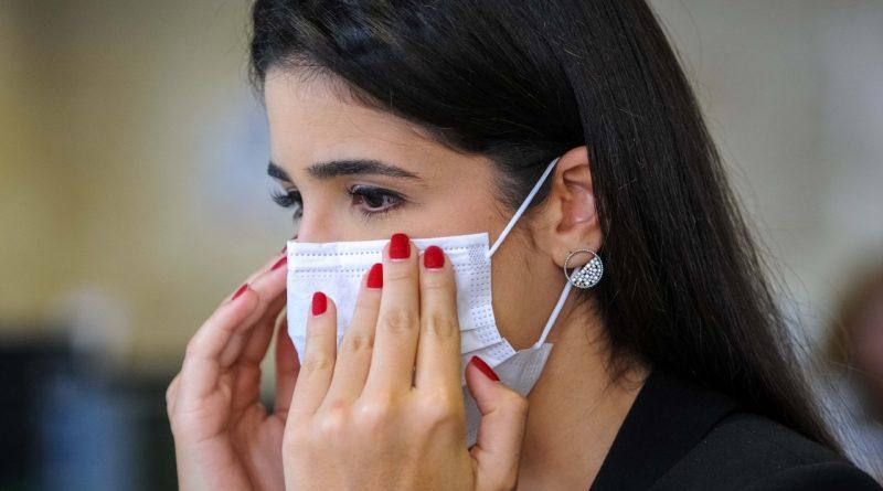 Covid-19: Governo recomenda que todos utilizem máscara ao sair de casa