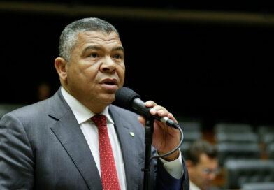 Valmir defende investigação da PGR contra Bolsonaro, Moro e deputada do PSL