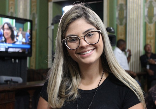 Marcelle Moraes cobra ao Ministério Público punição à prefeitura de Ilhéus por crime ambiental