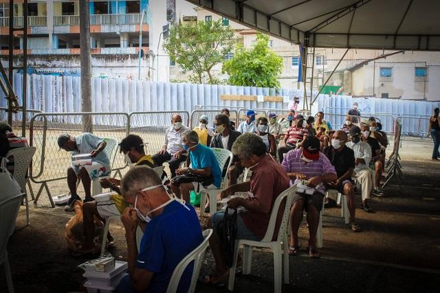 Idosos e pessoas com deficiência são 36% dos assistidos em pontos de refeição