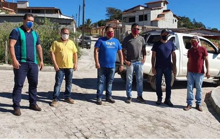 Deputado Marquinho Viana acompanha andamento de obras em Ibicoara