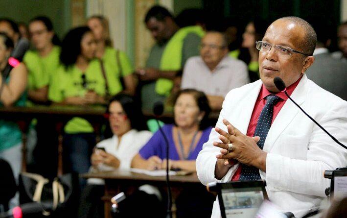 Estudantes defendem atuação de Suíca na Câmara e que revalidação do SalvadorCard seja gratuita