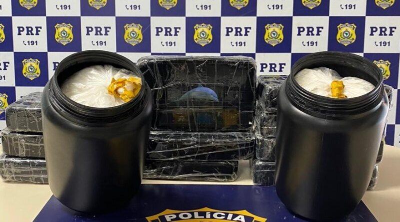 Corrida cancelada: PRF apreende 14 Kg de cocaína e prende taxista por tráfico de drogas