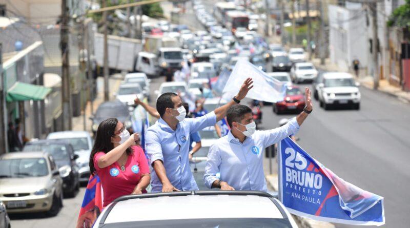 """""""A boa recepção das pessoas às nossas propostas cresce a cada dia"""", diz Bruno Reis após carreata"""