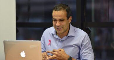Bruno Reis diz a jovens empreendedores que vai criar fórum para melhorar ambiente de negócios