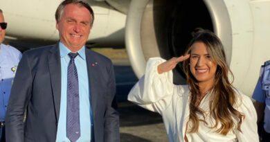 Talita Oliveira foi a única parlamentar estadual a recepcionar o presidente Bolsonaro em visita a Salvador