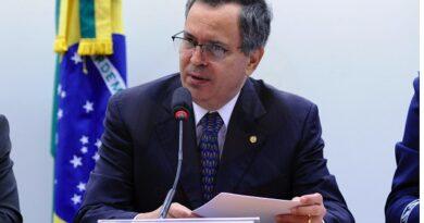 Félix Mendonça cobra inclusão de garis nos grupos prioritários da vacinação