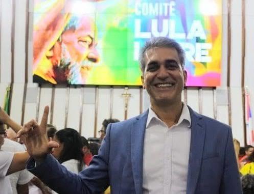 """Robinson celebra decisão do STF que torna Lula elegível: """"esperança pro Brasil ser feliz de novo"""""""