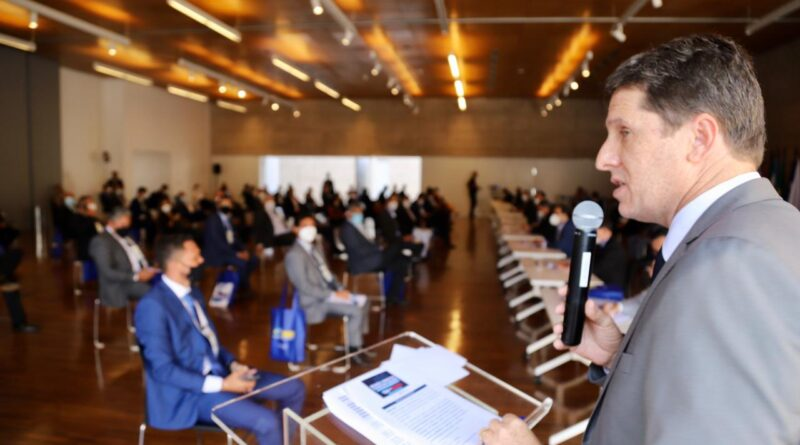 Prefeitos ocupam Brasília em mobilização da UPB contra colapso dos municípios